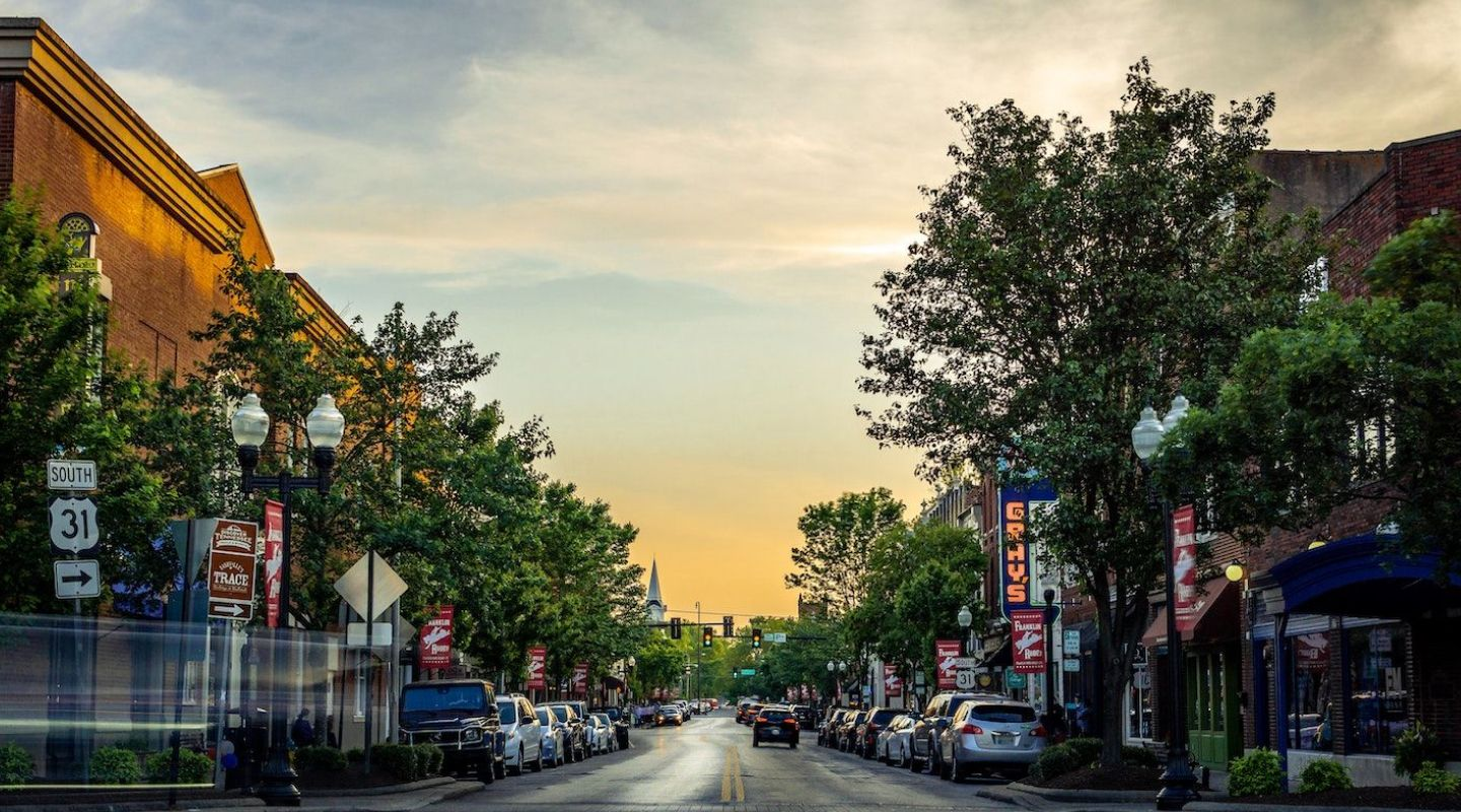 Image of main street in Downtown Franklin Tennessee