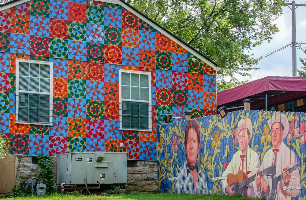 Image of a mural in Berry Hill, Nashville
