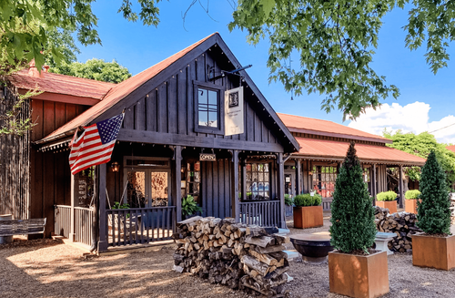 Image of Leiper's Fork Gallery located in Leiper's Fork, Tennessee