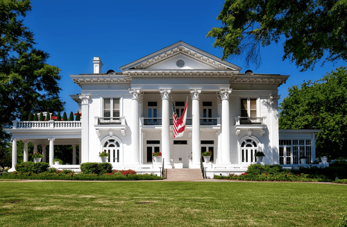 Image of a mansion in the United States