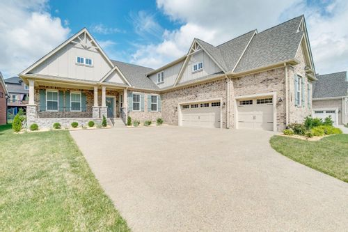 Image of the exterior of a single family home in Nolensville Tennessee